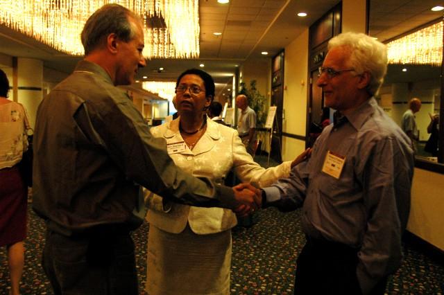 Dan Gillmor, Dori Maynard and Howard Finberg of the Poynter Institute